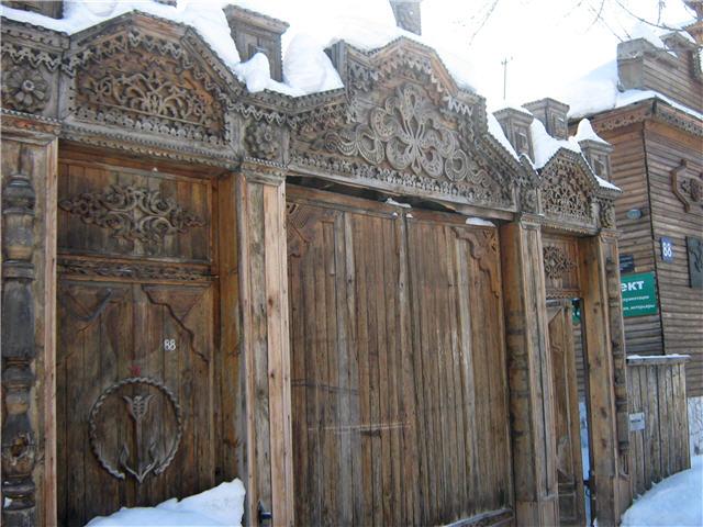 Резные ворота